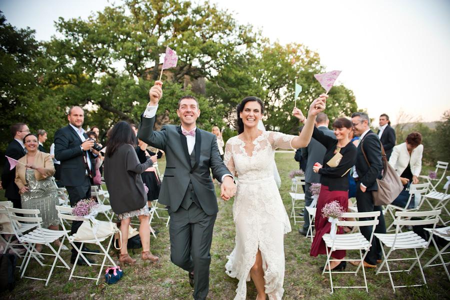 Mariage en provence ceremonie laique dans le luberon a gordes for Que visiter dans le 78