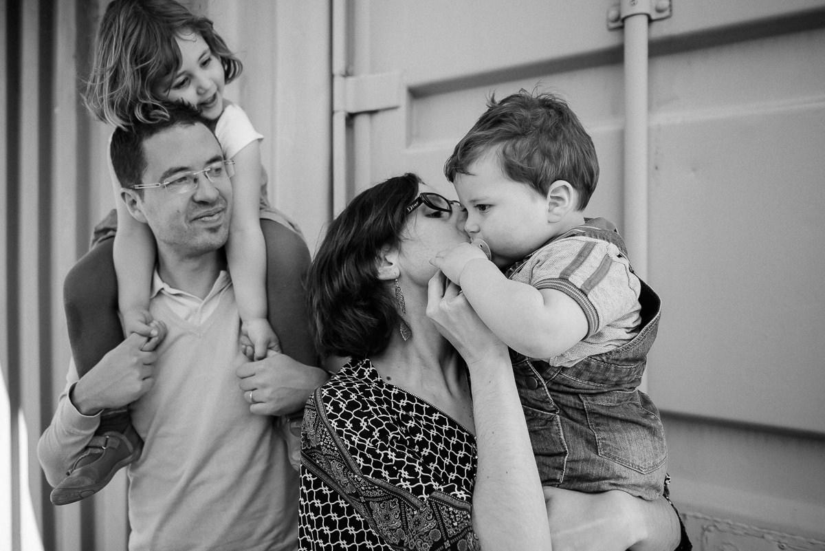 seance photo lyon en famille aux puces -11
