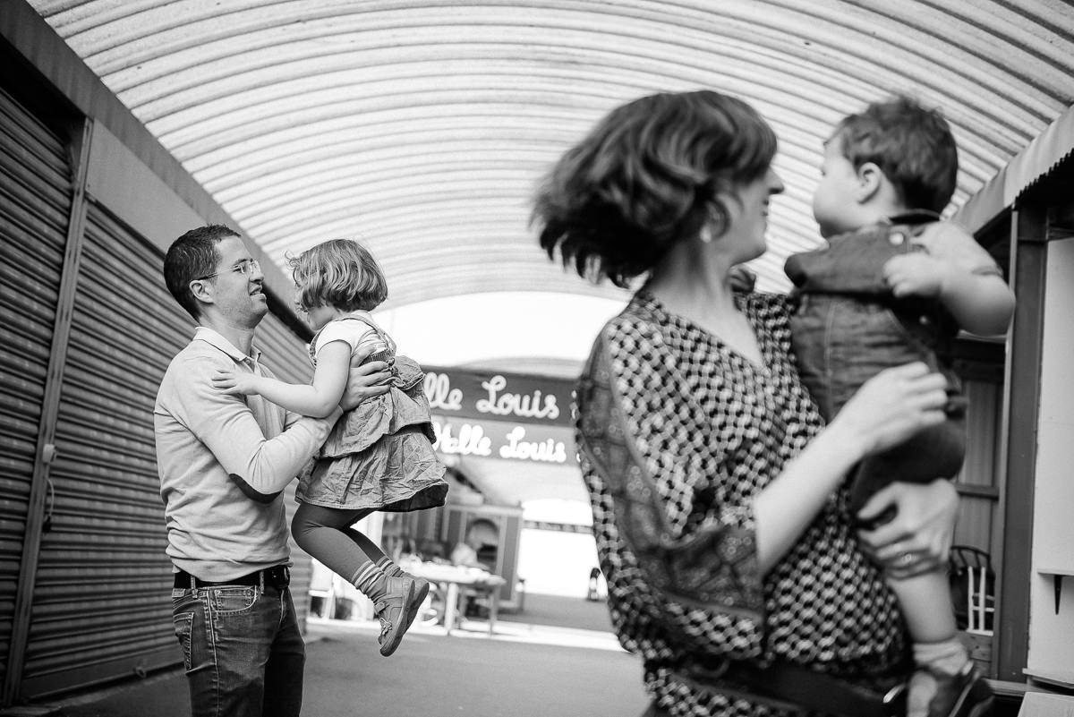 seance photo lyon en famille aux puces -13