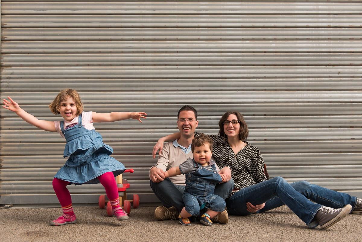 seance photo lyon en famille aux puces -18