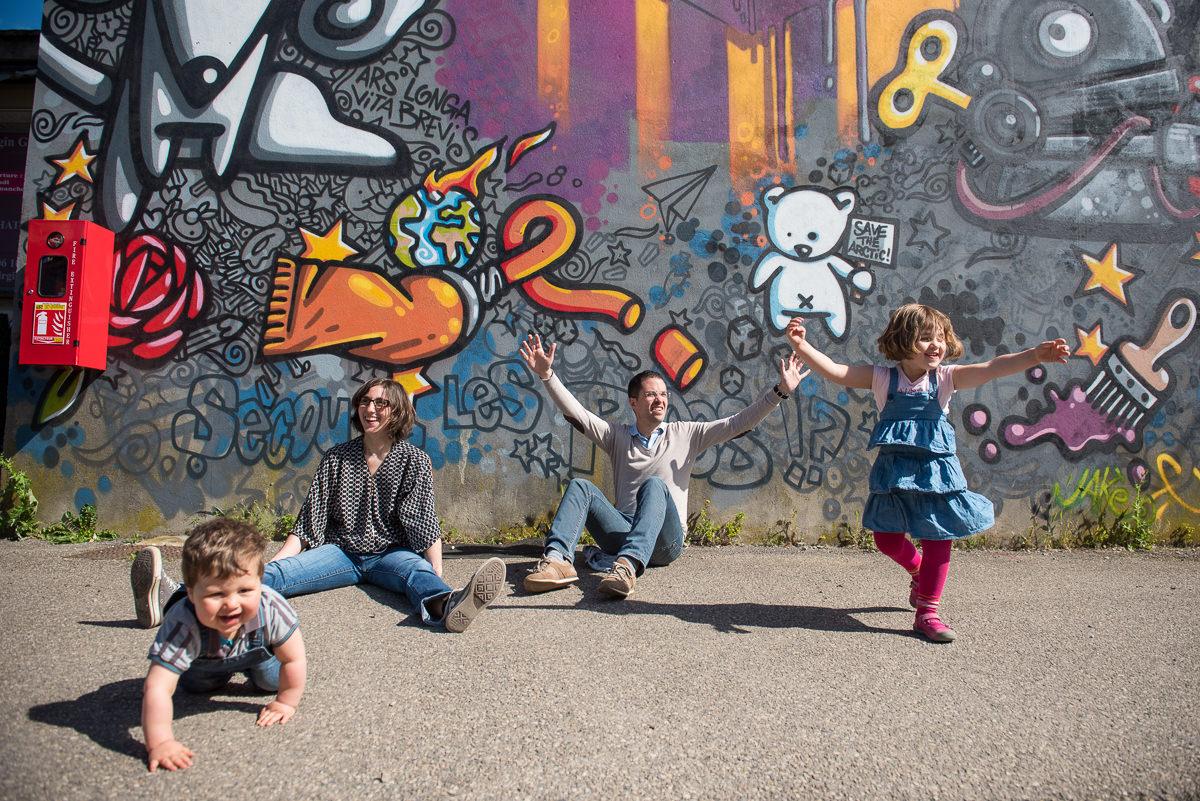 seance photo lyon en famille aux puces -2