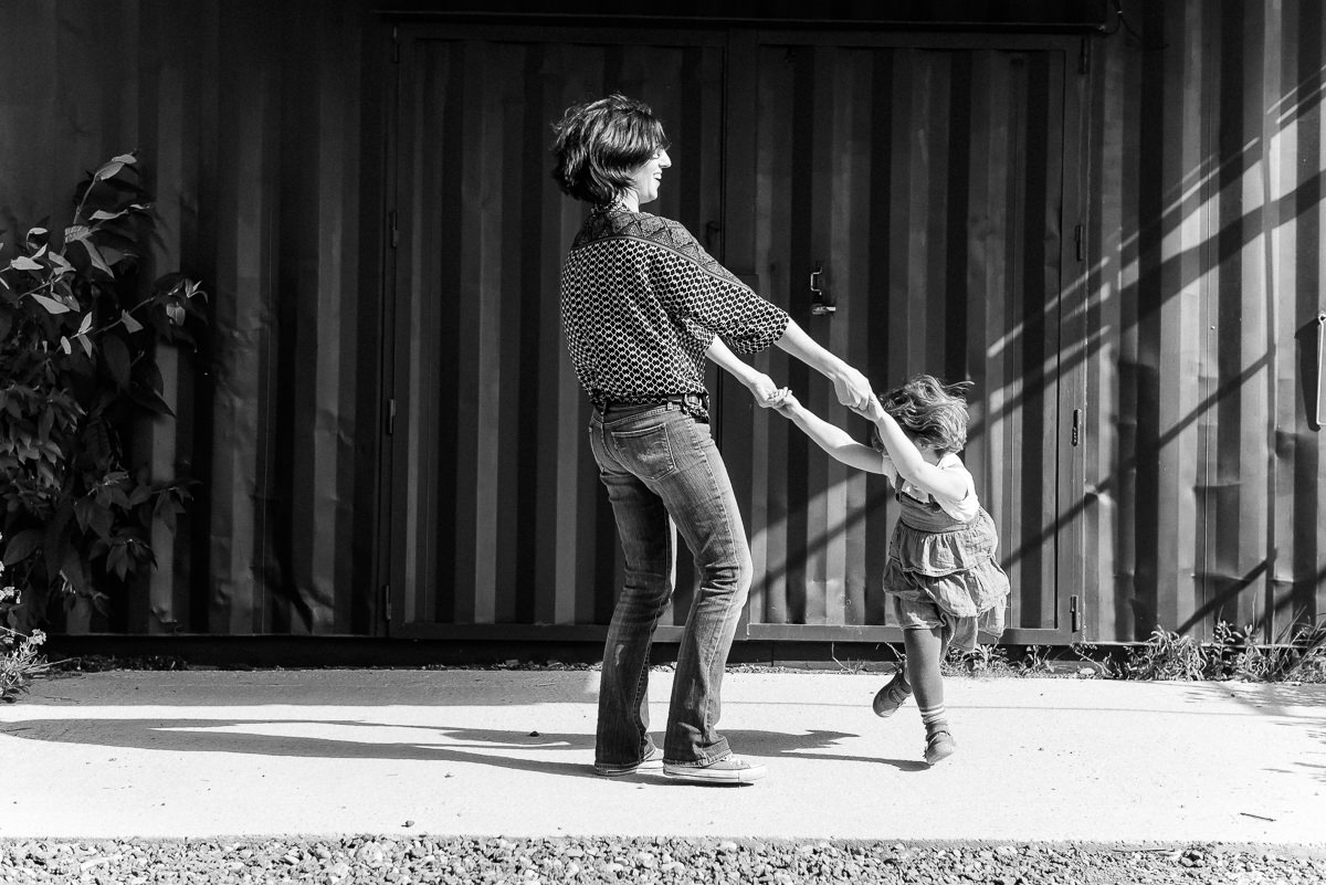 seance photo lyon en famille aux puces -26