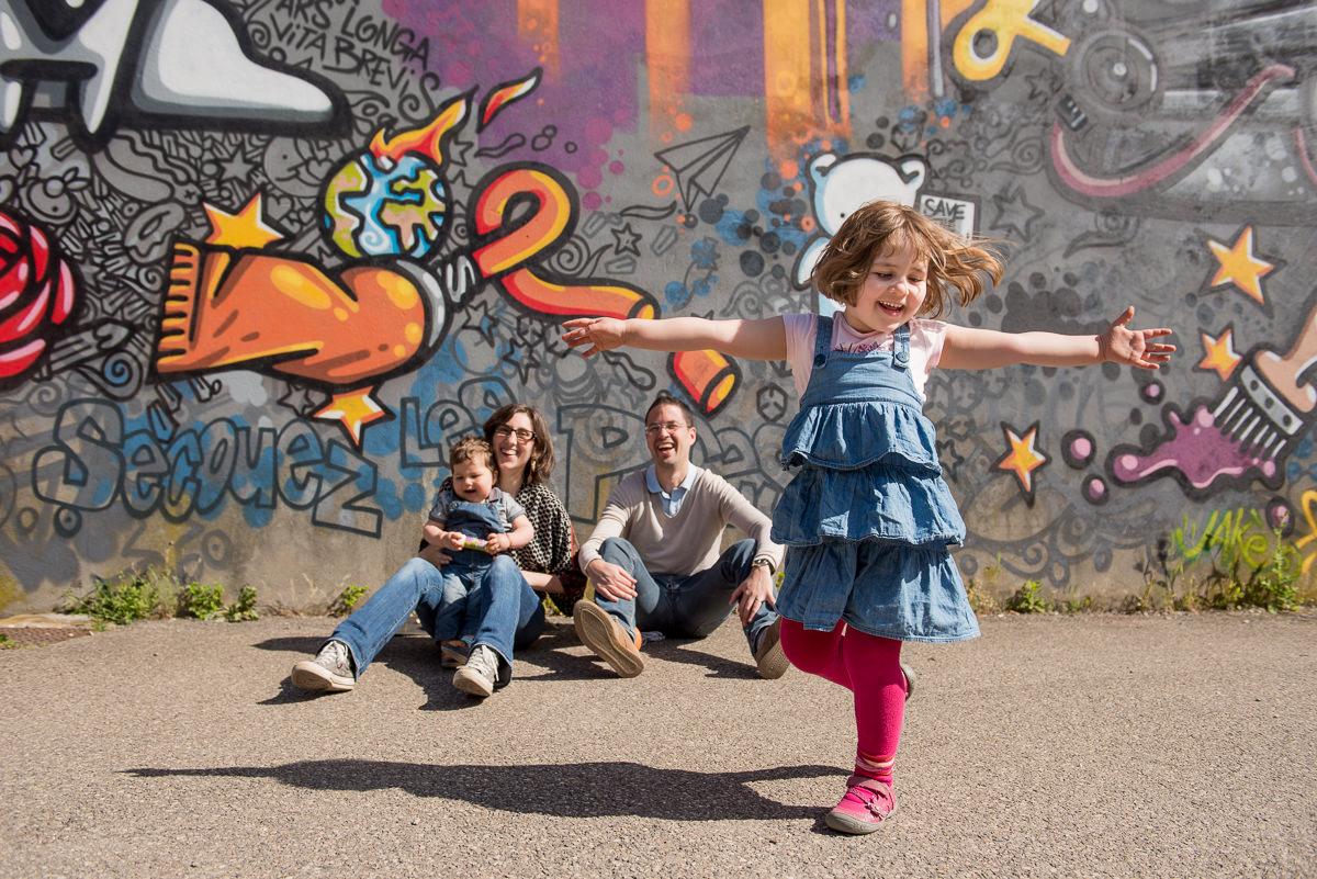 seance photo lyon en famille aux puces -3