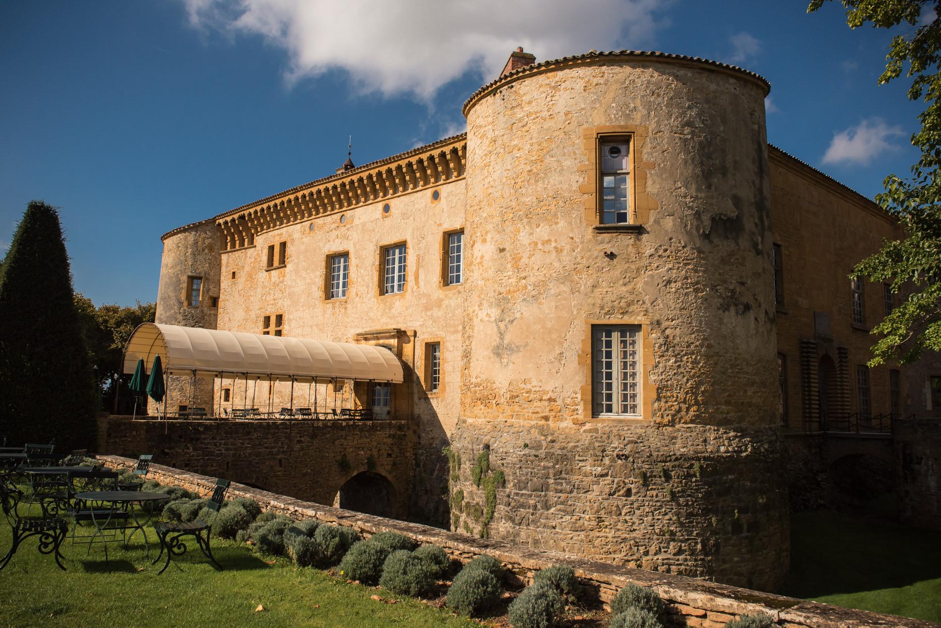 photographe mariage chateau de bagnols se marier dans le beaujolais. Black Bedroom Furniture Sets. Home Design Ideas