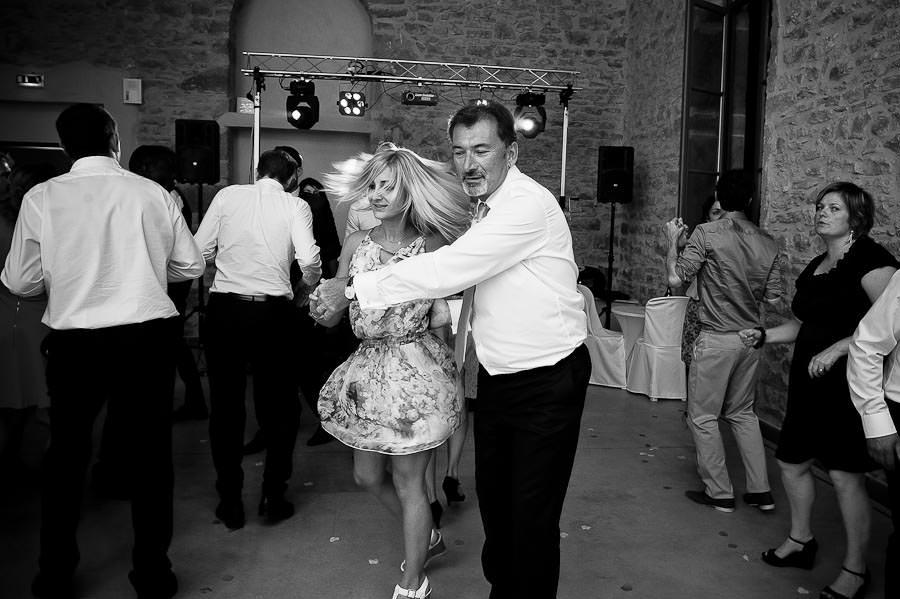 mariage-champetre-lyon-clos-des-liesses-ceremonie-laique-102