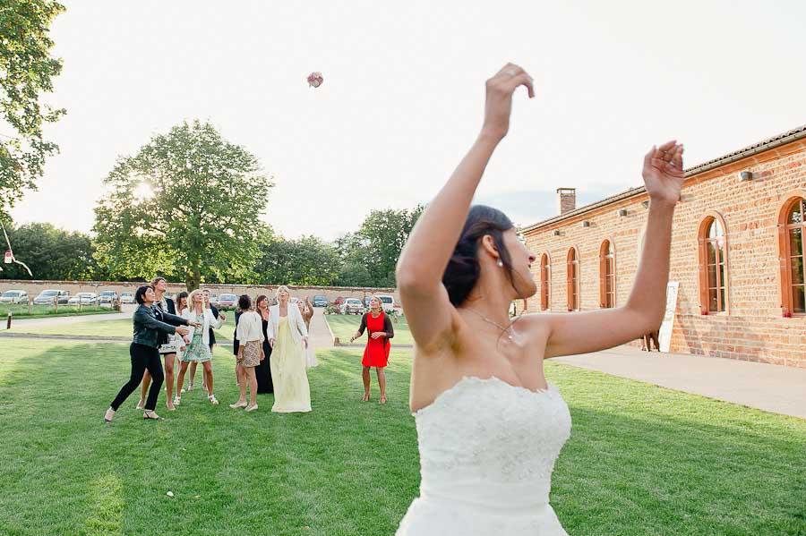 mariage-champetre-lyon-clos-des-liesses-ceremonie-laique-63