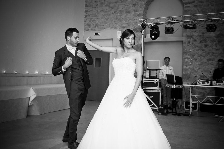 mariage-champetre-lyon-clos-des-liesses-ceremonie-laique-72