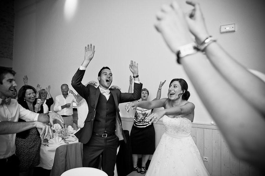 mariage-champetre-lyon-clos-des-liesses-ceremonie-laique-76