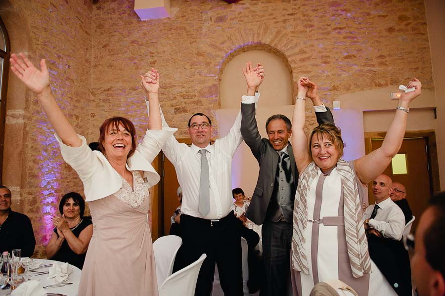 mariage-champetre-lyon-clos-des-liesses-ceremonie-laique-77