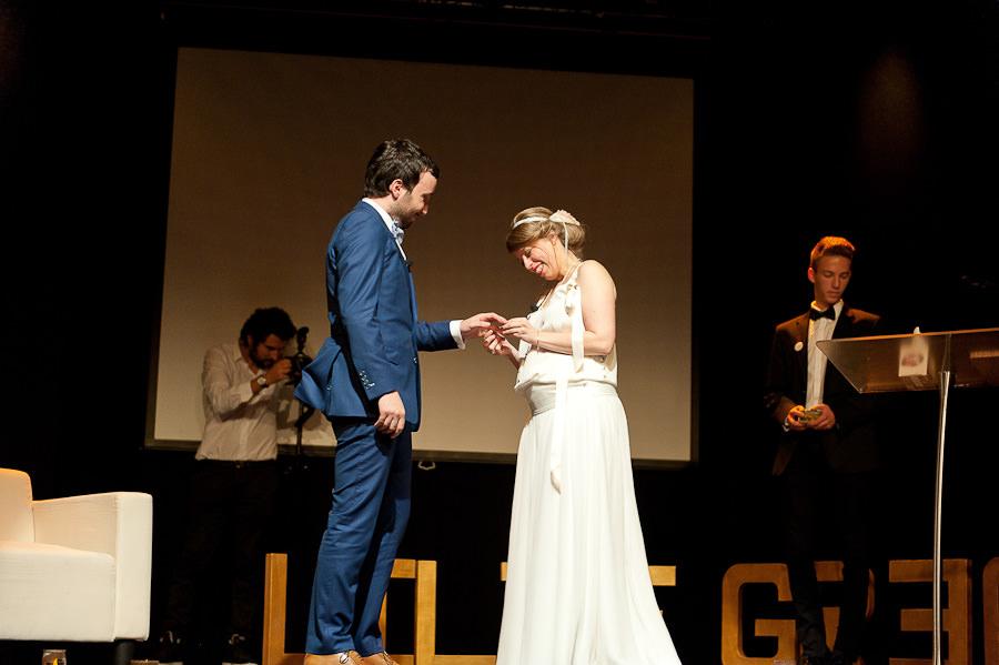 mariage-dans-un-cirque-ceremonie-laique-theatre-60