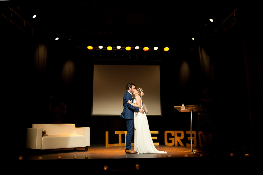 mariage-dans-un-cirque-ceremonie-laique-theatre-65
